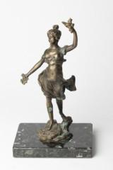 Bronze, Plastik, Figur einer Frau auf Sockel
