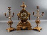 Japy Ferres, Paris. Fransk kaminur samt lysestager, bronze, 1800-tallet (3)