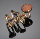 Fire ringe af guld med safir, rubin mm (4)