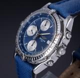 Breitling 'Chronomat'. Herrechronograf i stål med blå skive, 1990'erne