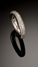 Ole Lynggaard. Love Ring no. 4 with diamonds