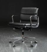 Charles Eames. Soft Pad armchair, model EA-217
