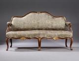Dansk fritstående rokoko sofa af åremalt træ, ca. 1750