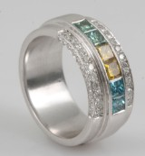 Ring in 18k set with diamonds  approx. 1.36ct