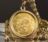 Anhänger mit eingearbeiteter Goldmünze
