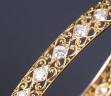 Diamond bangle, 18 kt. gold, total approx. 4.80 ct. (E-G/VVS-VS). Mid-20th century