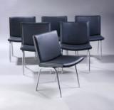 Hans J. Wegner. Et sæt på seks lufthavnsstole, model AP-38, sort anilin læder. (6)