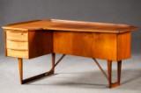 Peter Løvig Nielsen, cantilevered writing desk in teak