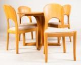 Dänischer Möbelproduzent, ausziehbarer Esstisch mit Einlegeplatte, dazu 4 Stühle, Massivholz (5)