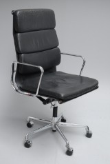 Charles Eames. Office chair with black leather, model EA 219