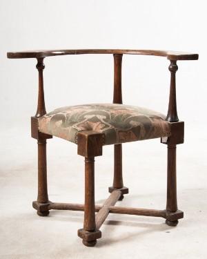 zwei m bel arts crafts eiche stuhl und schr nkchen england um 1900 2. Black Bedroom Furniture Sets. Home Design Ideas