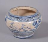 Krukke af blådekoreret keramik