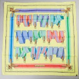 Hermès scarf med gul botten i bomull 65 x 65 cm