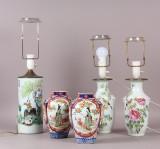 Tre kinesiske bordlamper med skrifttegn samt et par vaser (5)