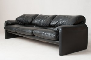 vico magistretti dreier sofa maralunga von cassina. Black Bedroom Furniture Sets. Home Design Ideas