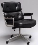 Charles & Ray Eames. Vintage Lobby Chair, model ES-104, black leather