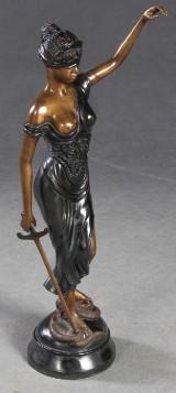 Justitia, Bronzeskulptur