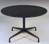Charles Eames. Segmented table with granite top. Ø 110 cm