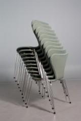 Arne Jacobsen. Sæt på ti stole, model 3107, 'Syveren'. (10)