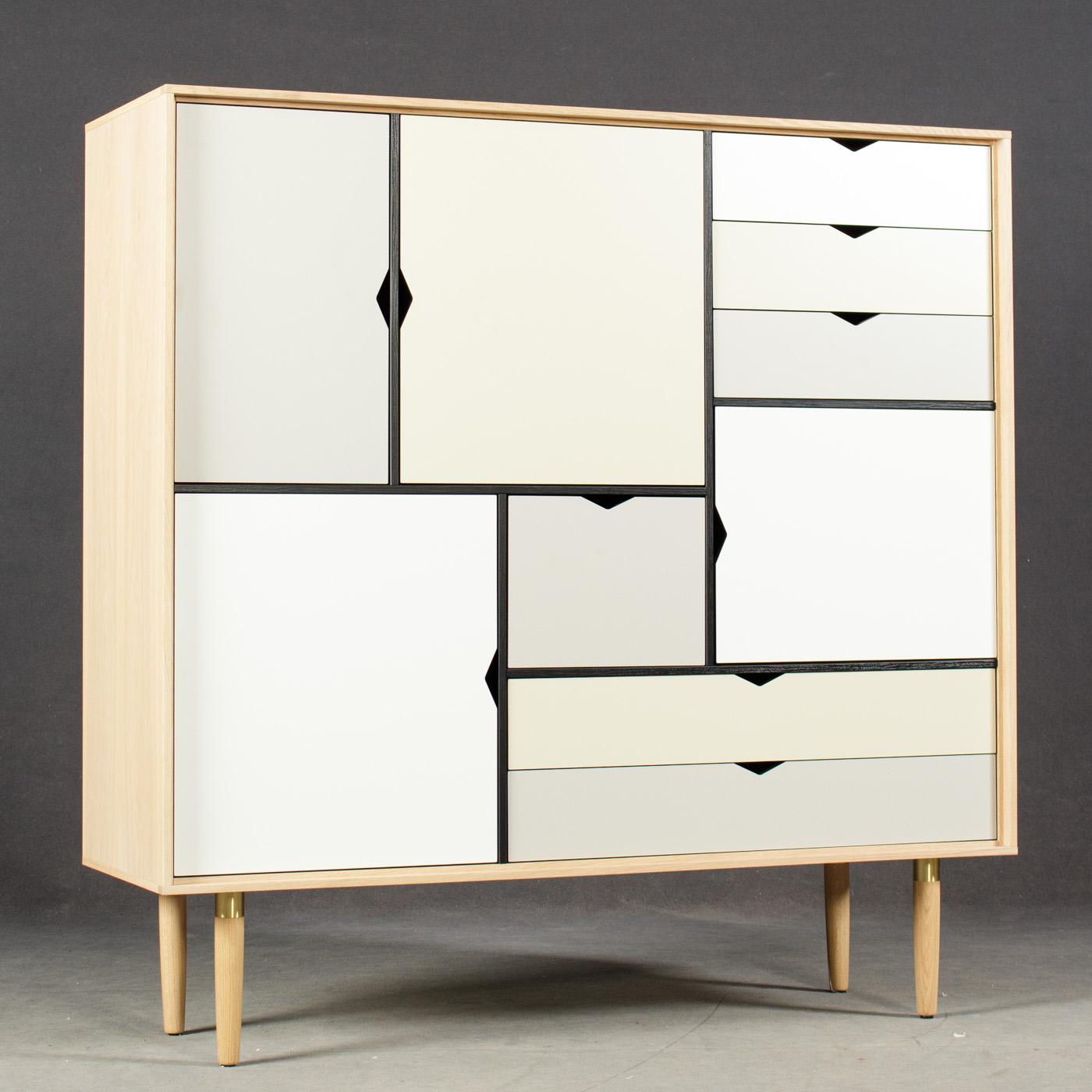 Auktionstipset - Andersen Furniture. S3 Highboard, Design von ByKATO