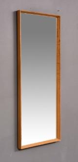 Spegel med ram i ek