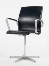 Arne Jacobsen. Oxford kontorstol, model 3271. sort læder.