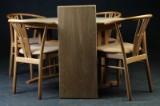 Snedkergarden. Spisebord, og stole (7)