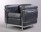 Le Corbusier. LC2 lænestol i sort læder