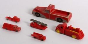 Fin Slutpris för Miniaturebiler, Lego. Desuden ladbil af VI-68