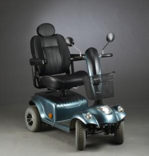 El - ton el scooter 415 blå hammerlak med fire hjul. - Dk, Herlev, Dynamovej - El - ton el scooter 415 blå hammerlak med fire hjul, 2 stk.batterielader medfølger. ca 1 år gammel. Instruktionsbog medfølger. - Dk, Herlev, Dynamovej