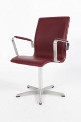 Arne Jacobsen. Oxford kontorstol, model 3273. Bordeaux læder.