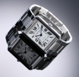Cartier 'Tank Solo XL'. Herreur i stål med sølvfarvet skive med dato, 2010'erne