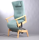 Farstrup el-hvilestol, model Plus Multi, med sædeløft.