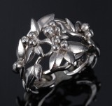 Ole Lynggaard. 'Spring' diamond ring, 18 kt. satin-finish and polished white gold