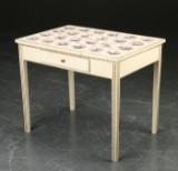 Louis XVI form bord med hollandske fliser
