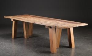 Langbord/Spisebord i fransk antik landstil. Af genanvendt gammelt træ | Lauritz.com