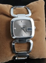 Gucci G ladies diamond wristwatch approx. 0.03ct, with box and papers