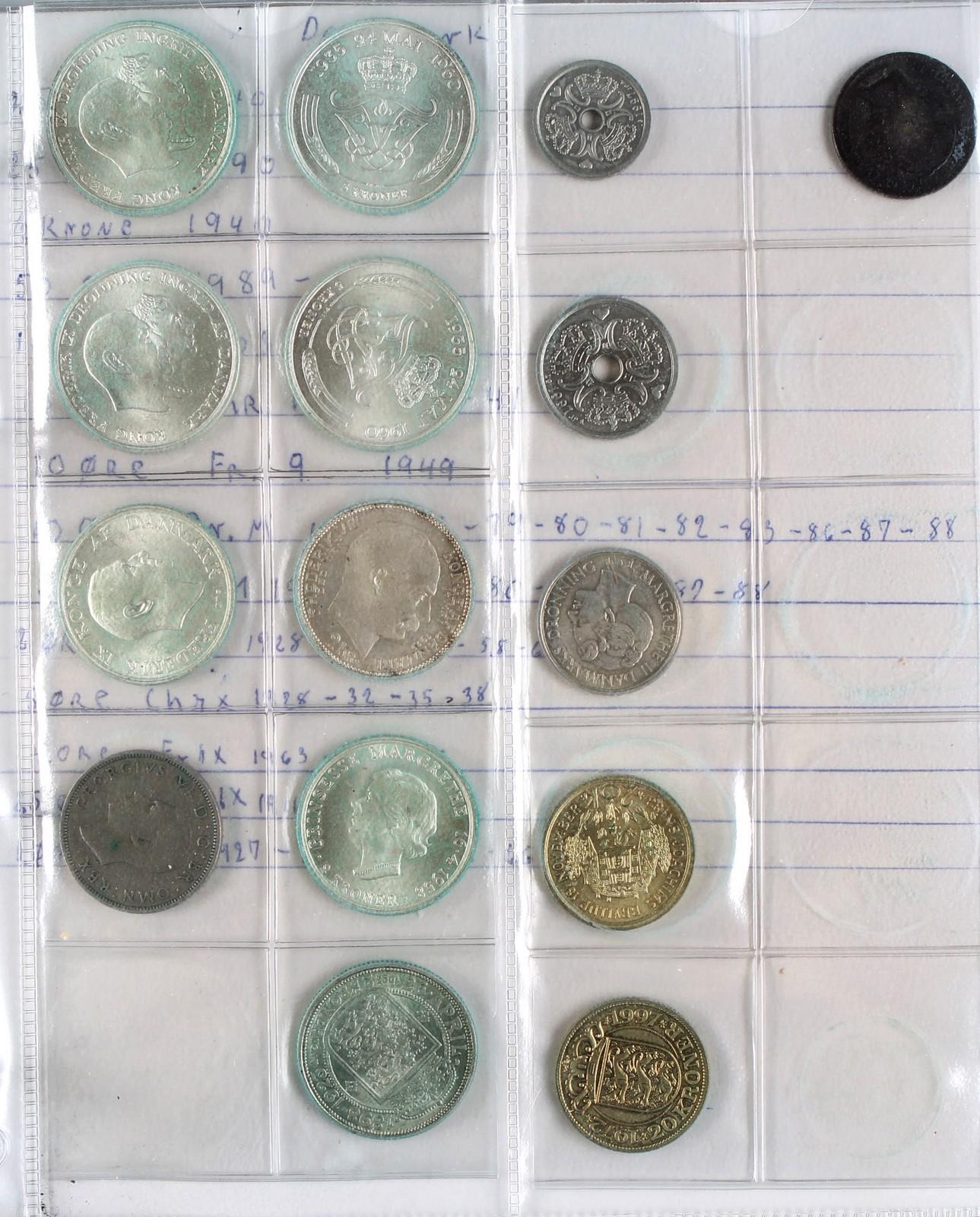 Møntsamling - Møntsamling. Ringbind med bl.a. Danske og Norske erindringsmønter, samt mønter fra div. lande