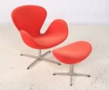 Arne Jacobsen. Svane samt skammel i rødt uld (2)