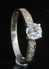 Diamond solitaire ring in 18kt approx. 0.76ct