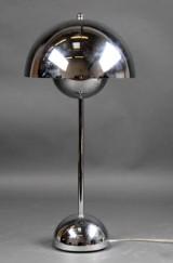 Verner Panton. Flowerpot bordlampe, forkromet metal