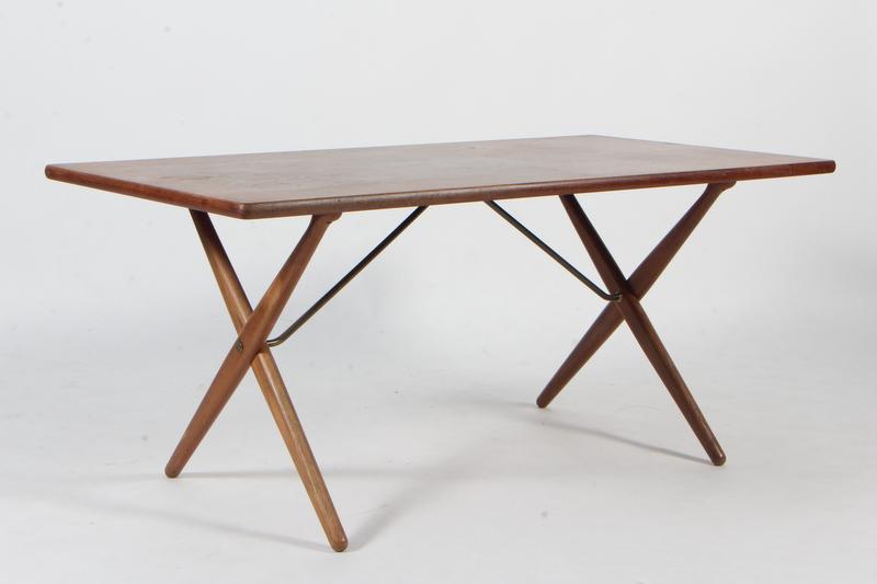 Auktionstipset - Hans J. Wegner, Spisebord AT-303 Savbukkebordet