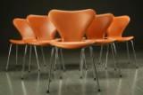 Arne Jacobsen. Seks syverstole model 3107, cognacfarvet læder (6)