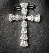 White gold cross pendant, diamond-encrusted, approx. 0.80 ct.