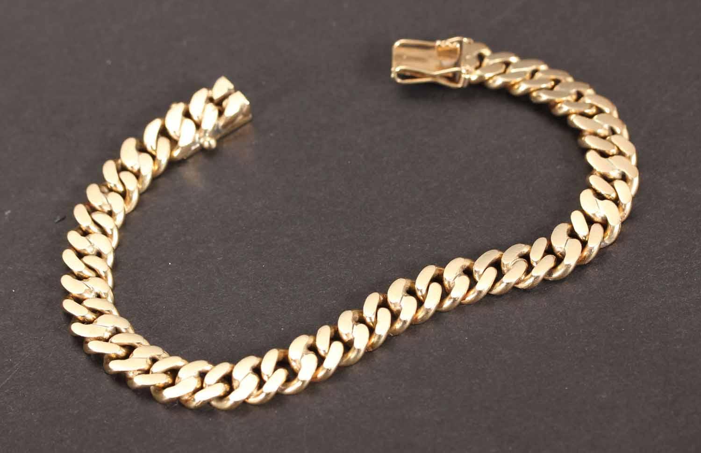 Panserarmlænke af 14 kt. guld - Klassisk Panserarmlænke udført i 14 kt. guld. Lukke er monteret med sikkerheds hasper. Længde ca. 19 cm. Bredde ca. 9 mm. Vægt ca. 31,1 gram