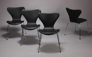Arne Jacobsen, 7'er stole, sort læder (4)