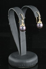 Diamond and fresh water pearl earrings in gold approx. 0.02ct