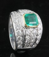 Diamond and emerald ring, 18kt. gold, approx. 2.50ct.