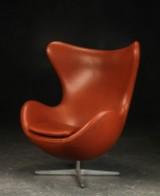 Arne Jacobsen. Lounge chair, 'The Egg', with tilt mechanism, cognac-coloured leather
