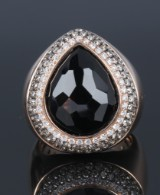 Cocktail ring, 18 kt. rose-coloured gold, brilliant-cut diamonds, total approx. 1.15 ct